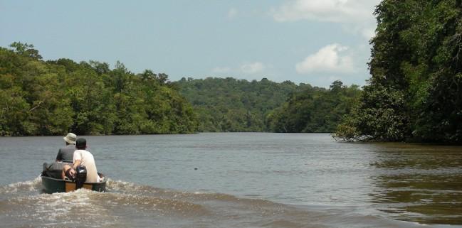 Mission fluviale sur l'Orapu© RNR Trésor