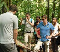 visite du sentier carbone © WWF Guyane